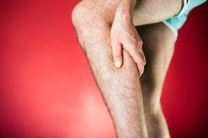 боль в ногах при варикозе симптомы